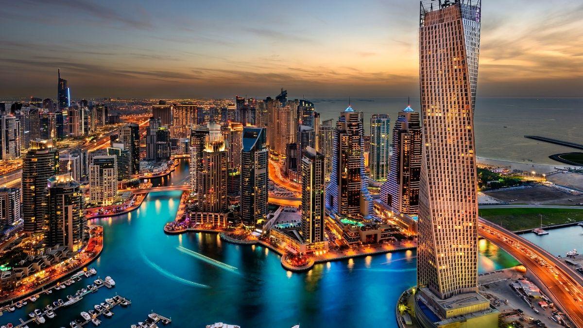 Berita trending terbaru dan berita viral terbaru: Salah seorang pelaku 11 orang wanita foto tanpa busana di Dubai berhasil diidentifikasi.