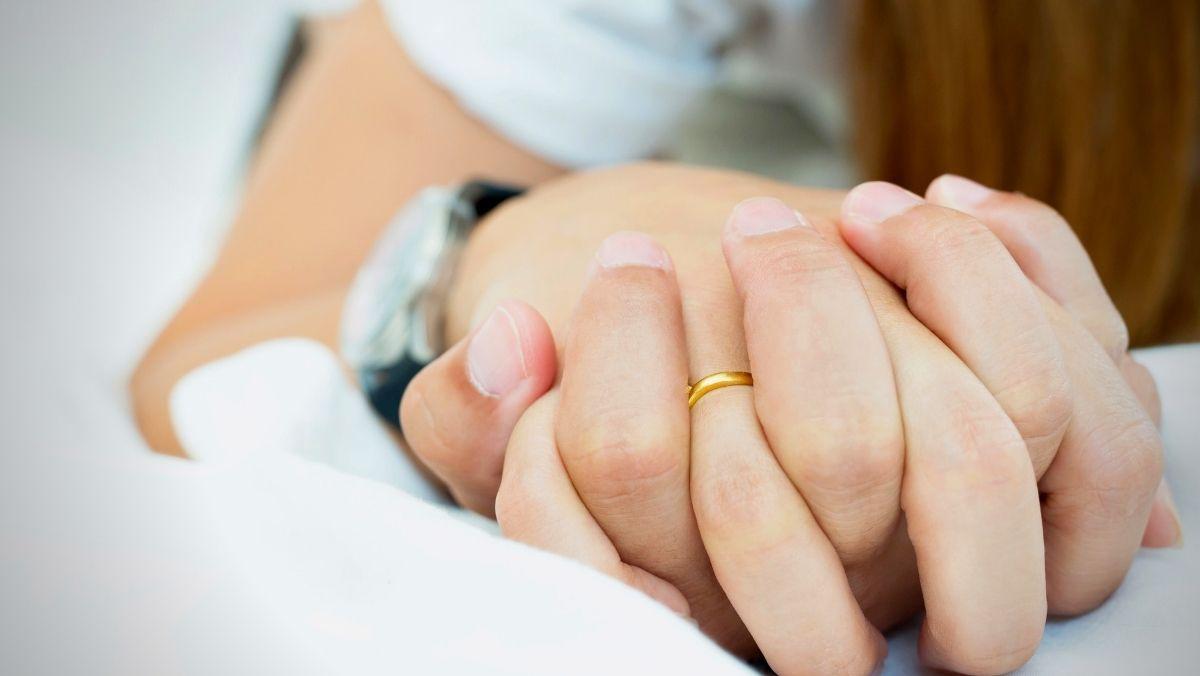 Larangan hubungan suami istri